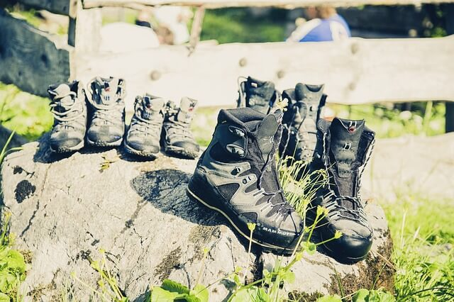 hiking-shoes-617260_640