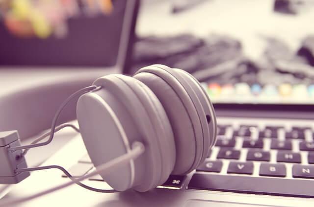 パソコンの音声、耳、補聴器で聞く方法まとめ