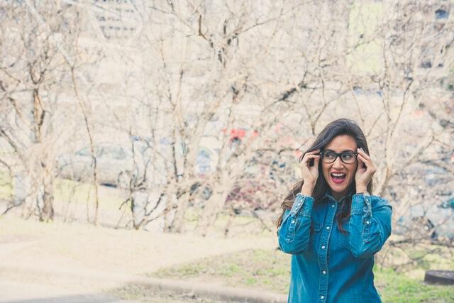 両耳難聴でより片耳が聞こえにくい方に有効なバイクロス補聴器