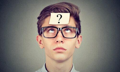 補聴器を片耳に装用する例とは?