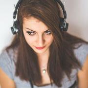 頭をはっきりさせるために補聴器を装用するという思考