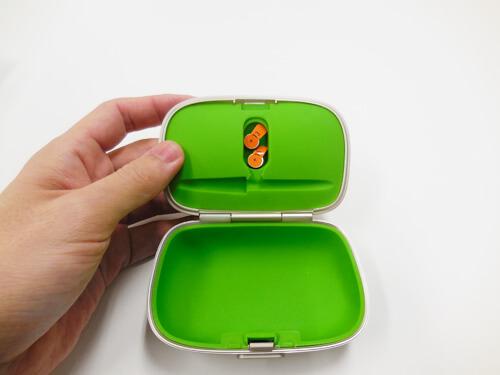補聴器ケースに電池も補完可能