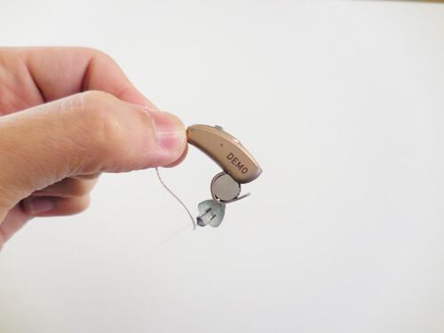 電池が入っているところを開いて取り替える