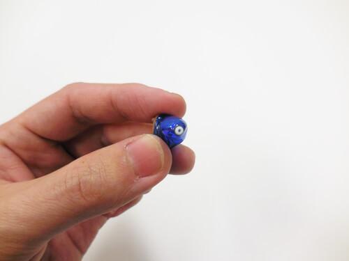 耳あな形は、耳の中に入れることによる利点、欠点がある。その一つが、こちら。フィルター部分は、交換できる仕様担っているので、面倒でない方は、いいかも。