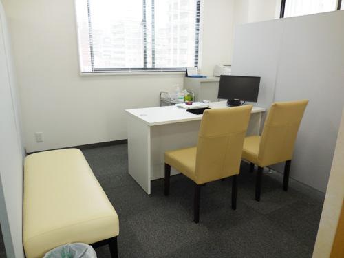相談スペースは、広く、相談しやすくを意識した
