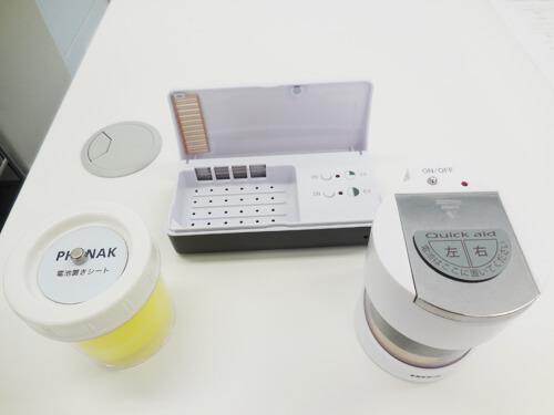 補聴器をケアする道具には、乾燥剤がある。乾燥させるものには、いくつか種類がある。