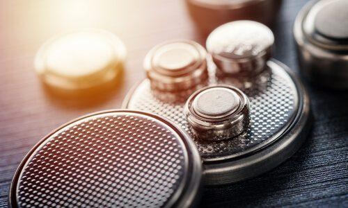 クロス補聴器を有効活用する電池の使い方と電池購入時の注意点