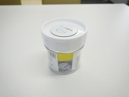 乾燥剤を使用して、しっかりケアする保管道具もあります。